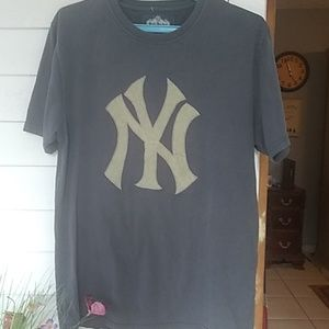 New York Yankees hundred percent cotton t-shirt